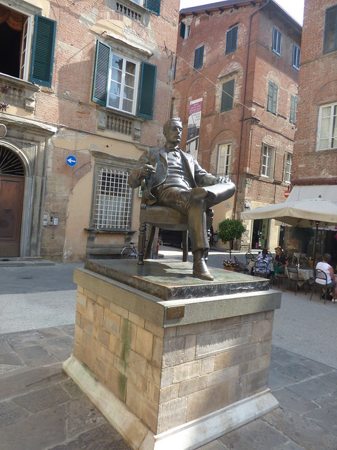 Photo:Statue of Giacomo Puccini - Piazza Cittadella, Lucca By ell brown
