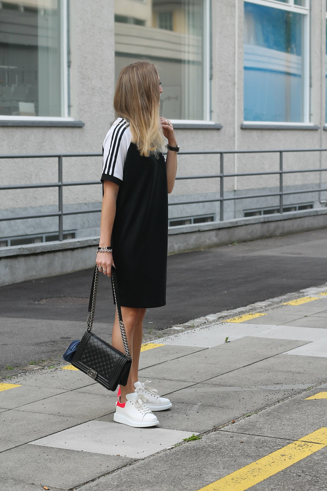 adidas-dress-and-alexander-mc-queen-sneaker-whole-look-side-wiebkembg