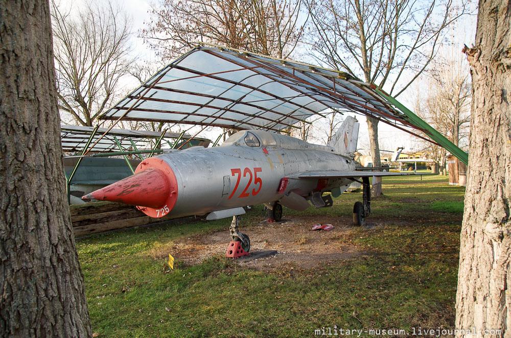 Luftfahrt- und Technikmuseum Merseburg-240