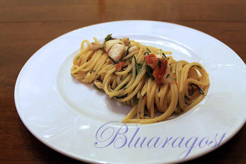 02-spaghetti con sugo di cernia e agretti