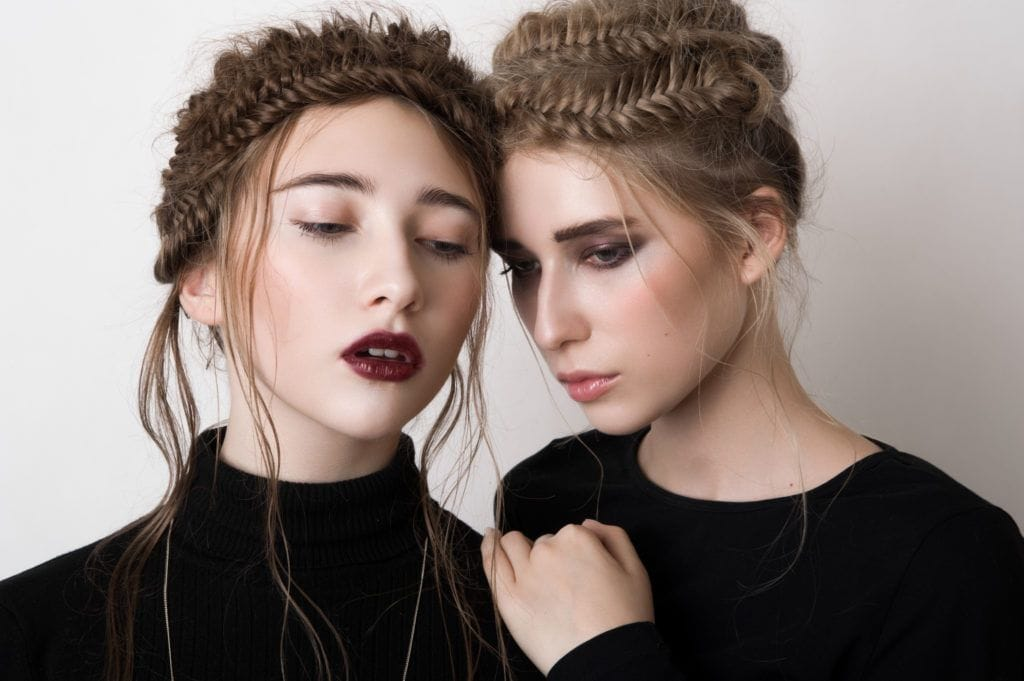 10 Ways Prom Hairstyles 2018 For Women -A Quick Hair Guide 4