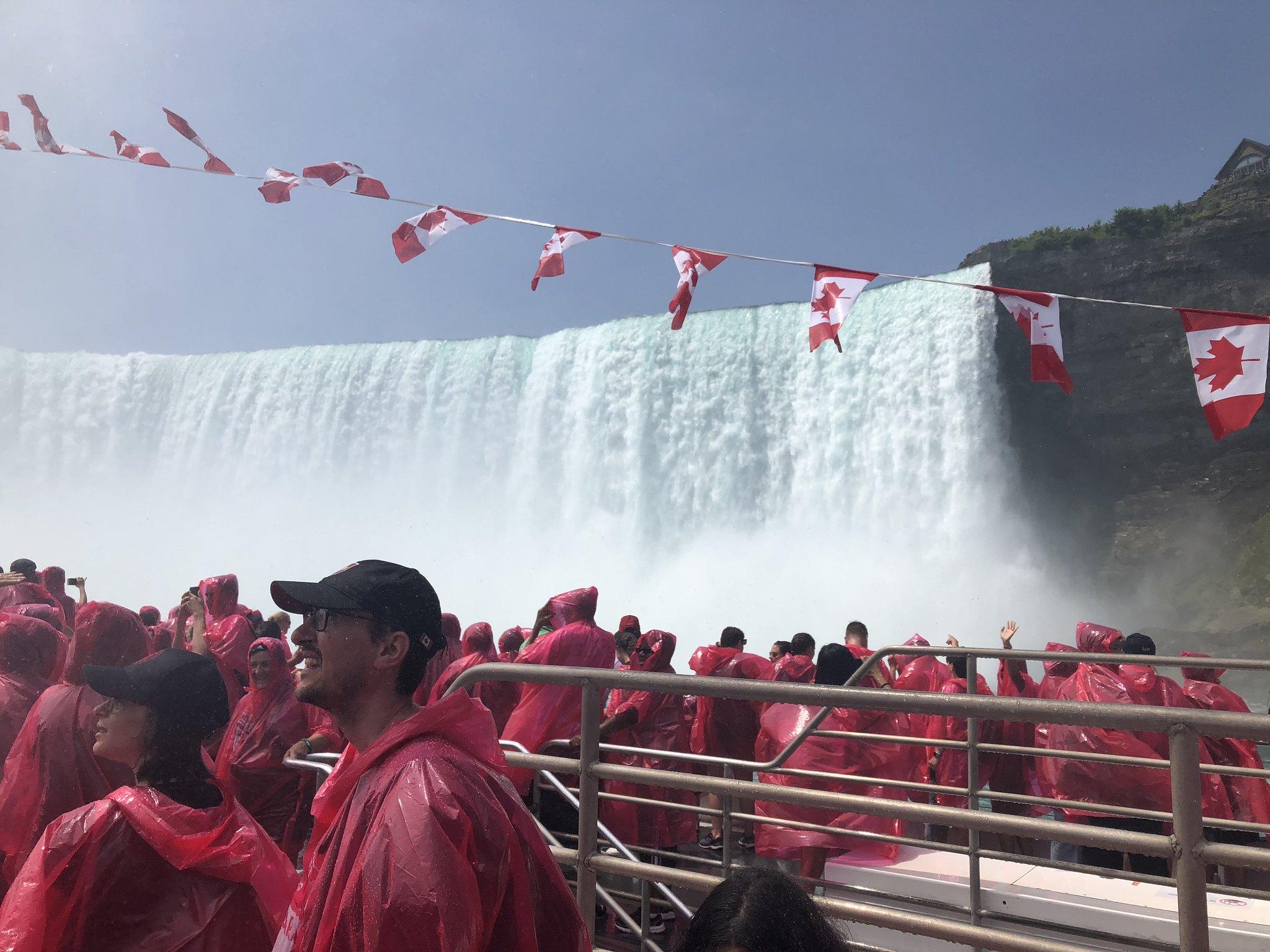 Voyage to the Falls Niagara Canada