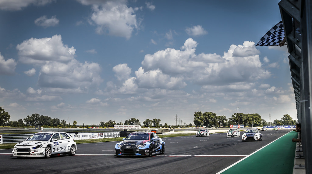 11 BJORK Thed, (swe), Hyundai i30 N TCR team Yvan Muller Racing, action 22 VERVISCH Frederic, (bel), Audi RS3 LMS TCR team Comtoyou Racing, action during the 2018 FIA WTCR World Touring Car cup race of Slovakia at Slovakia Ring, from july 13 to 15 - Photo François Flamand / DPPI.