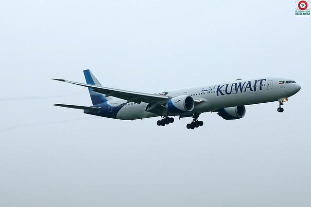 9K-AOF Kuwait Airways Boeing 777-369(ER).