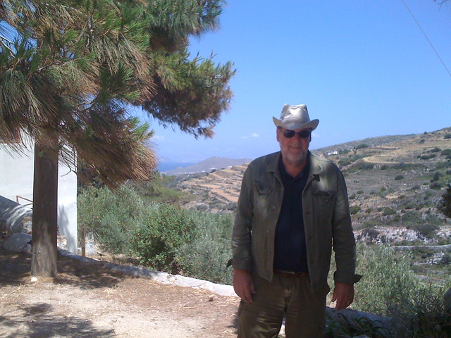 Paros 09 Guy, Apple iPhone 3G