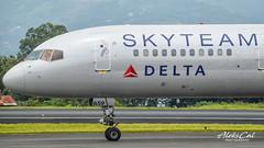 Delta B757-232 N659DL