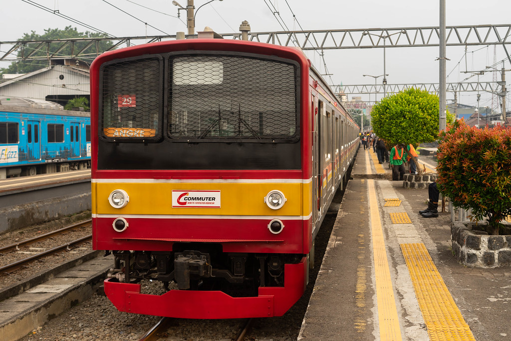 JR 205 29 on a Yellow Line service ; Bogor