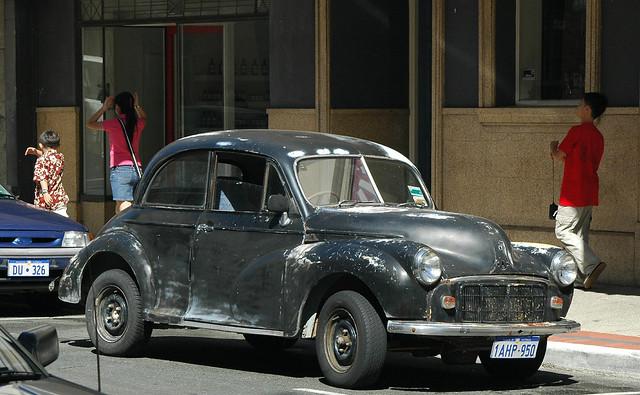 Morris Minor 2-door split window