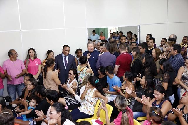 """11.07.2018 O prefeito de Manaus, Arthur Virgílio Neto, assinou nesta quarta-feira, um Termo de Compromisso de Isenção (TCI) que beneficia 600 famílias contempladas pelo programa """"Minha Casa Minha Vida."""