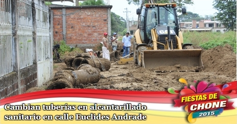 Cambian tuberías en alcantarillado sanitario en calle Euclides Andrade