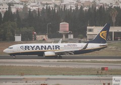 Ryanair B737-8AS EI-DPG taxiing at AGP/LEMG
