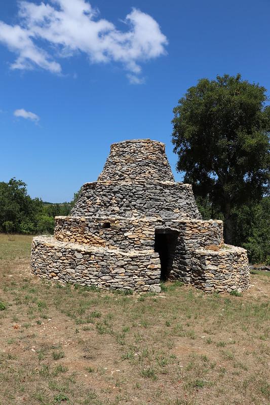 Saint-Vincent-Rive-d'Olt - La cazelle à degré des Roques