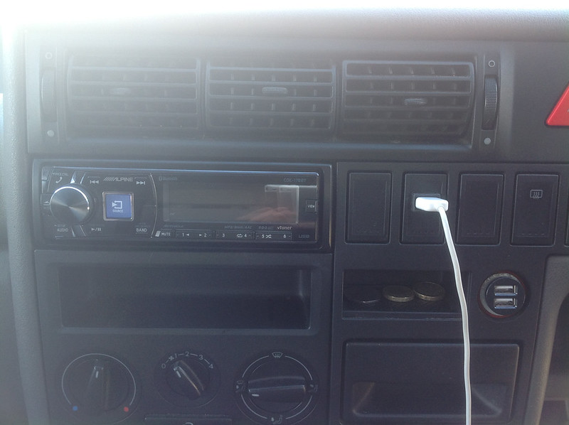 Installation of Dash Speakers in T4 - VW T4 Forum - VW T5 Forum