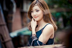 beautiful asian woman smile credit to https://1dayreview.com