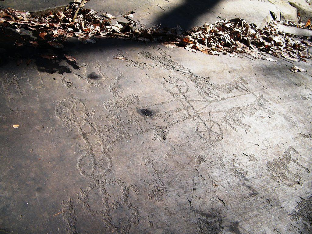 Petroglyph of a chariot in Parco nazionale delle incisioni rupestri di Naquane, Capo di Ponte, Lombardy, Italy. Photo taken on March 10, 2010.