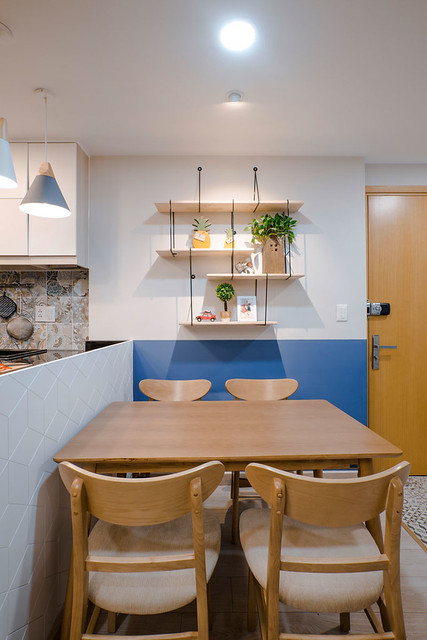 Fantastic Blue And Yellow Decorating Ideas Keep This Small Apartment Fun And Bright