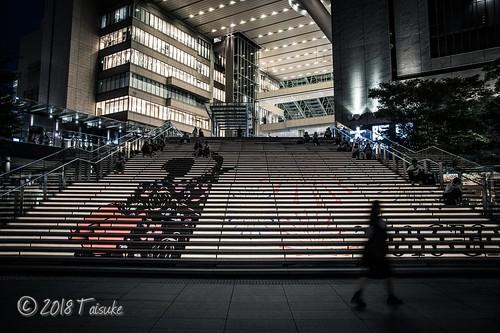 大阪駅周辺で夜間スナップ