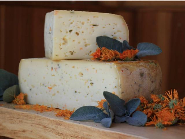 formaggio aromatizzato dolomiti