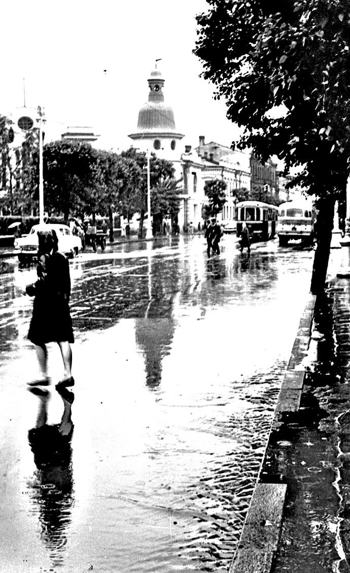 Дождь на улице Ленина