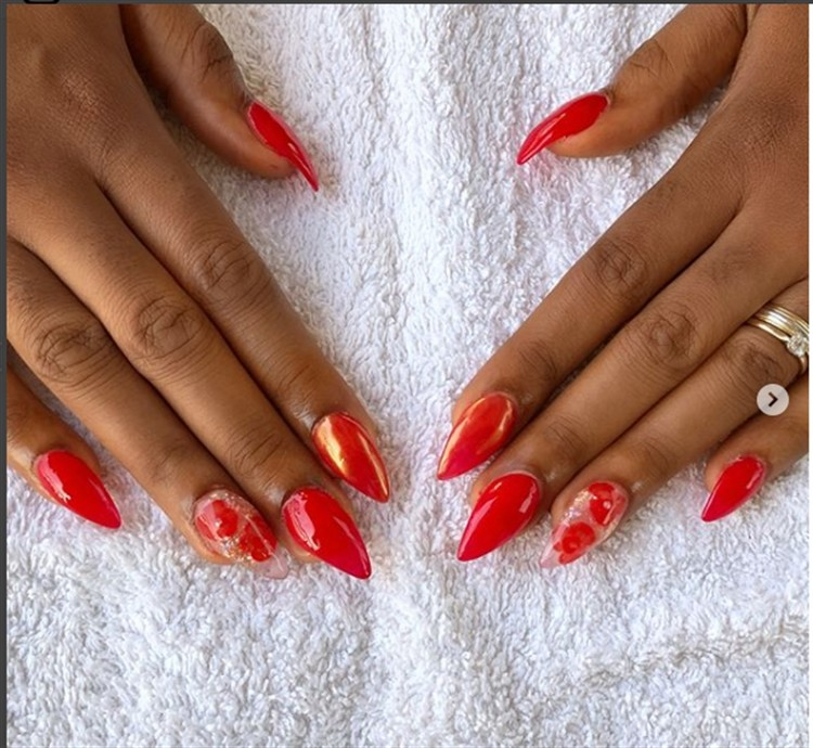 30+Pretty Red Acrylic Nail Art Design Ideas - Fashonails