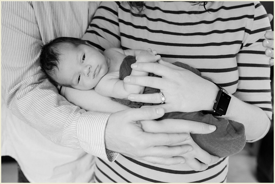 felix-newborn-16-bw