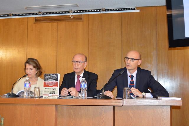 """Presentación del libro """"Historia de la Escuela de Periodismo de la Iglesia"""" en la sede de la FAPE."""