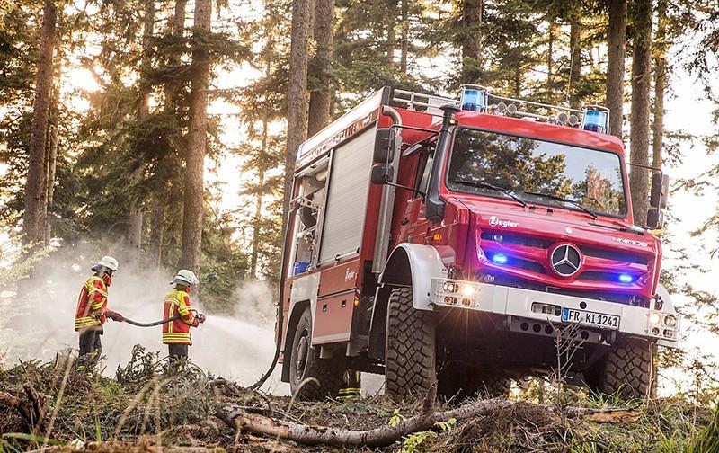 b943607f-mercedes-benz-unimog-fire-truck-3