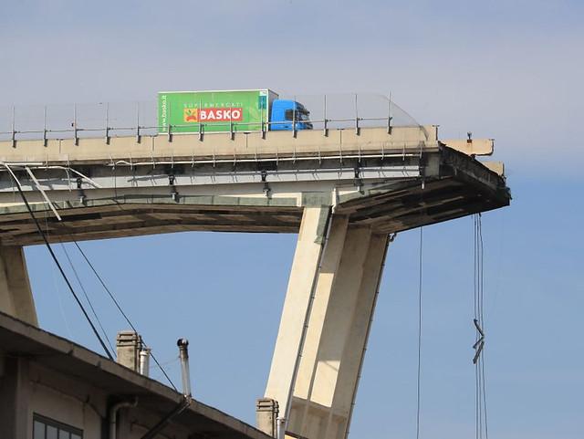 crollo ponte morandi lutto nazionale