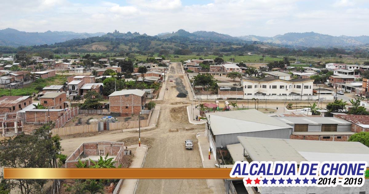 El asfalto mejora vías y vidas en 20 calles de Chone