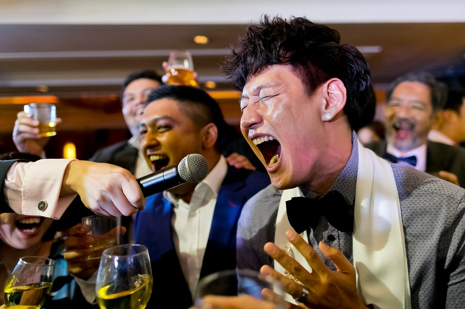 Singapore Real Weddings, unscripted and raw emotions.