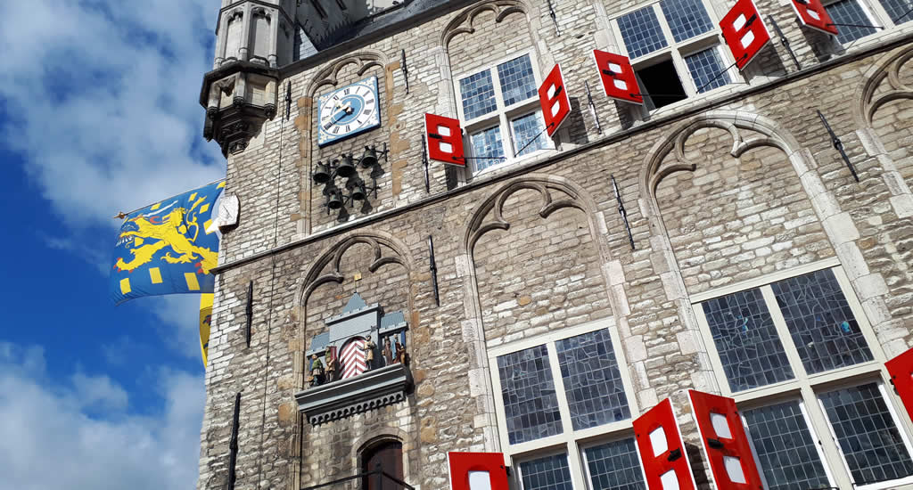 Gouda, The Netherlands. Top things to do and see in Gouda, The Netherlands: Gouda Town Hall | Your Dutch Guide
