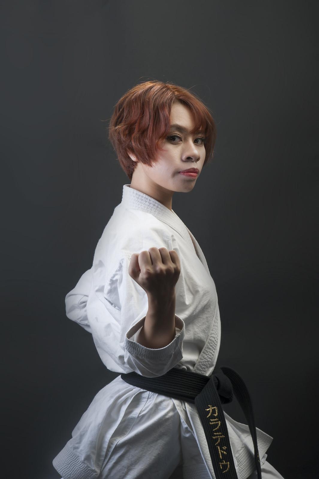 42931021772 bb4197bf24 h - Bộ ảnh võ thuật Karate Girl phiên bản Việt