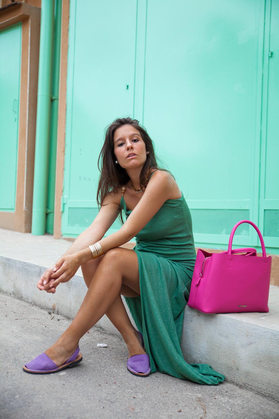 06_Vestido_turquesa_largo_outfit_embarazada_influencer_barcelona_theguestgirl
