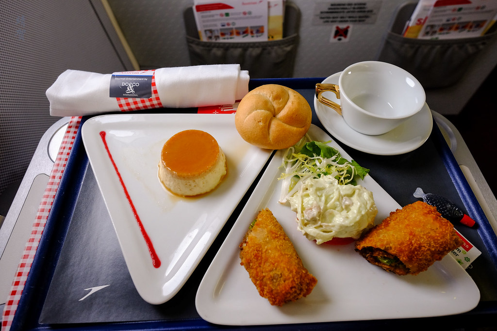 Inflight meal with panna cotta