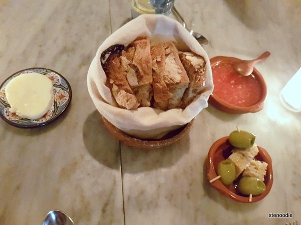 Edulis Restaurant bread