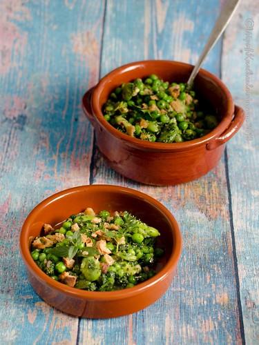 Erbsen und Dicke Bohnen mit knusprigen Bröseln - Salada de favas e ervilhas (1)