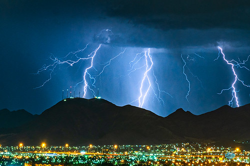 lightning blackmountain henderson lasvegas lasvegasnature
