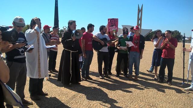 Ato ecumênico reforça apoio a grevistas de fome