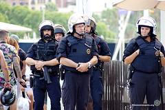 2018_08_12-Despliegue policial en la Barceloneta en contra de la venta ambulante-Manuel Roldán-05