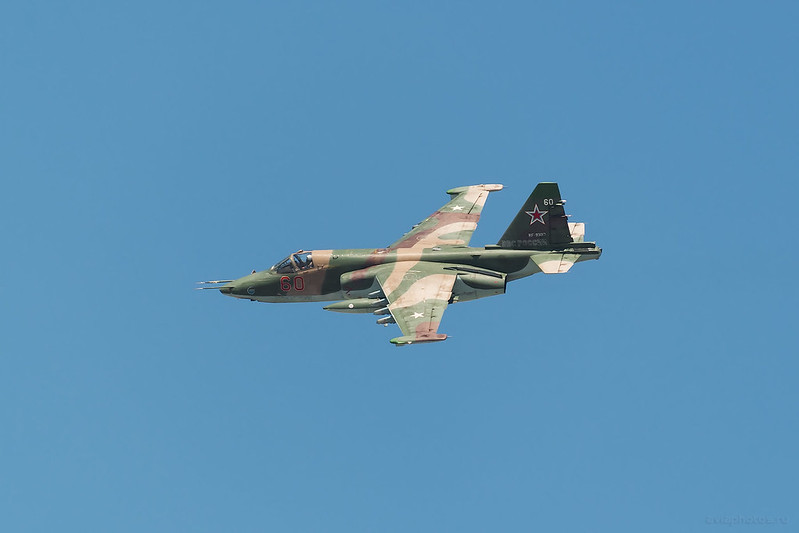 Sukhoi_Su-25SM_RF-93017_60red_Russia-Airforce_1012_D809523