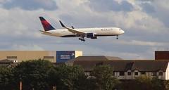 Delta Boeing 767-300ER N1603 Amsterdam-Orlando diversion London Heathr