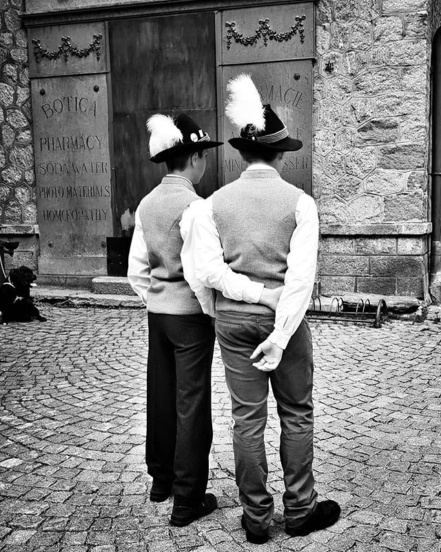 Boys #costume #boys #kids #hat #folklore #traditional #blackandwhite #bw #gressoney #valdaosta #igers #igersitalia #travelgram #photooftheday #picoftheday #instagood #instago #dress