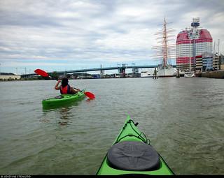 20170723_4 Carolin also paddling a kayak for the first time | Gothenburg, Sweden