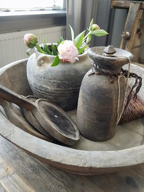 Olijfbak houten onderzetters roze pioenrozen