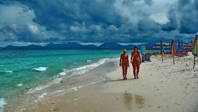 Koh Phi Phi Beach Walkers