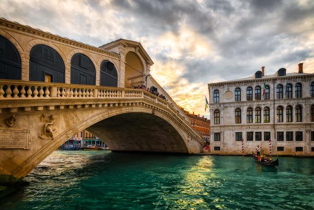 Sunset at Rialto Bridge   Venice, Italy