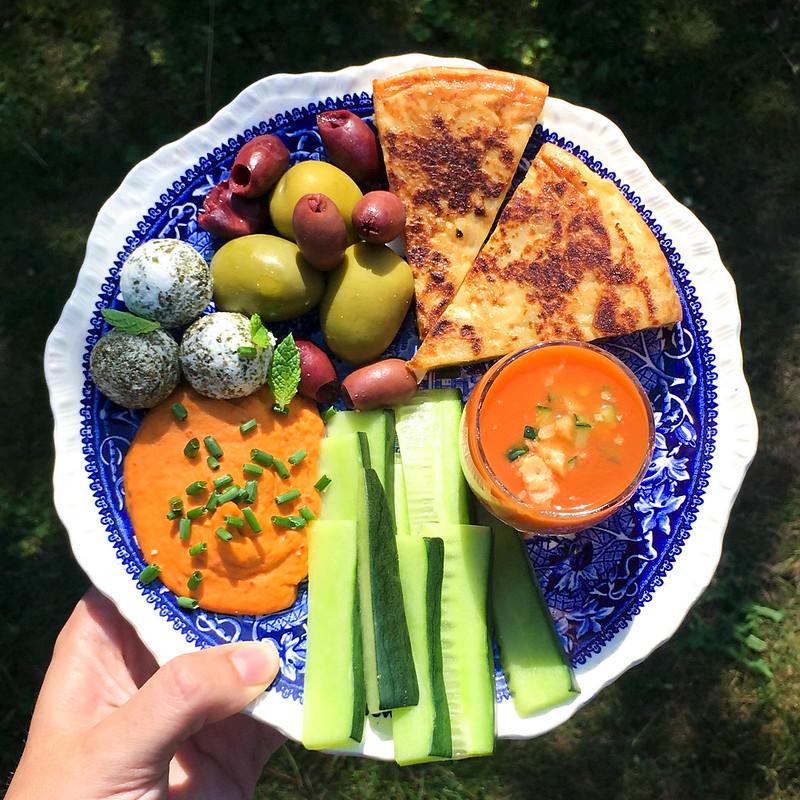 Vegetarisk sommarmat spansk sommartallrik