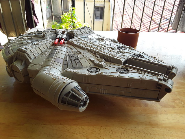 Star Wars - Falcon Millennium