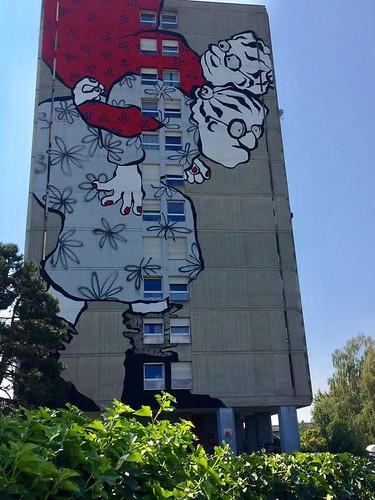 Yverdon-les-Bains, Suisse. La décoration de la tour des Moulins par Ella et Pitr dans le cadre des jeux du castrum 2018 est terminée