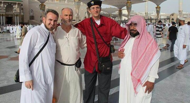 1794 Bosnian Man walked to Hajj crossing 7 countries and 5,700 KM on Foot 04